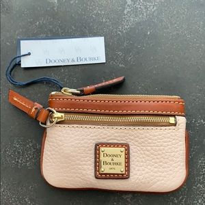 Dooney & Bourke leather zippered wallet keychain